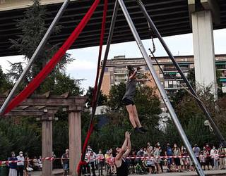 Mikra ikuskizuna hilaren 16an Zubietako errebote plazan