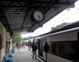 Tren zerbitzu bereziak San Sebastian gauez