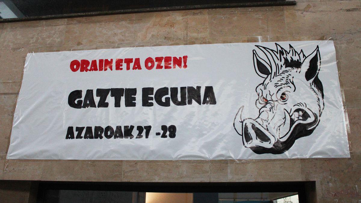 """Asteburuko Gazte Egunean """"orain eta ozen"""" aldarripean parte hartzeko deia"""
