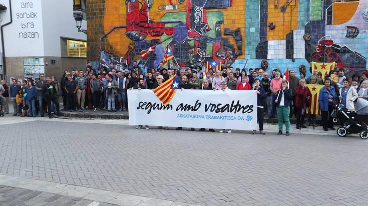 Tren zerbitzu berezia, Gure Eskuren larunbateko Donostiako manifestaziora