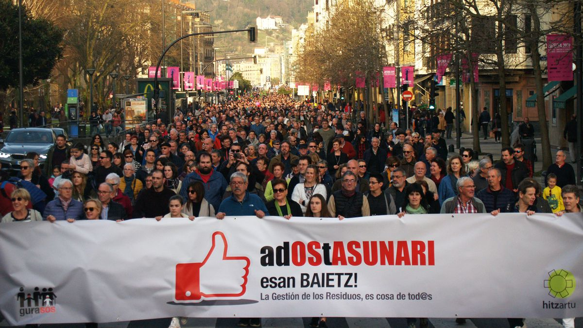Klimaren aldeko nazioarteko greba eguna gaur, GuraSOSek deituta eserialdia eta manifestazioa 19:00etan Donostian