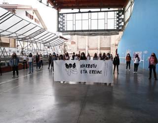 """Kafe Tertuliako neskak*, Azaroaren 25ari begira: """"Anima zaitez herria feminismoz bustitzera"""""""