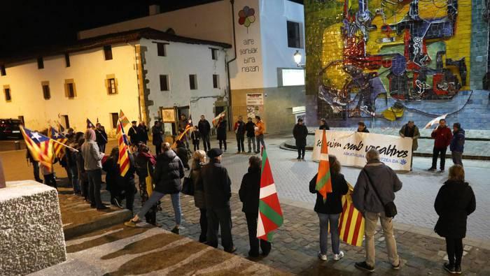Guztion eskubideak jokoan direla ohartarazita, igandeko Donostiako manifestaziora joateko deia egin du Gure Esku Dagok