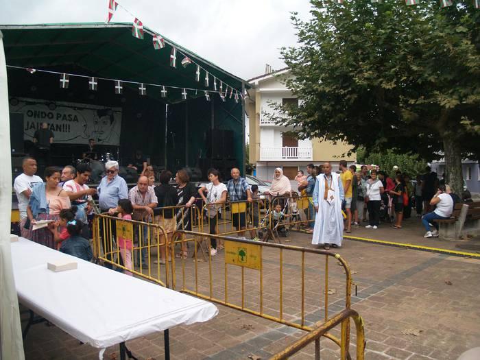 Santueneko jaietako otorduetan lekua hartzeko azken egunak