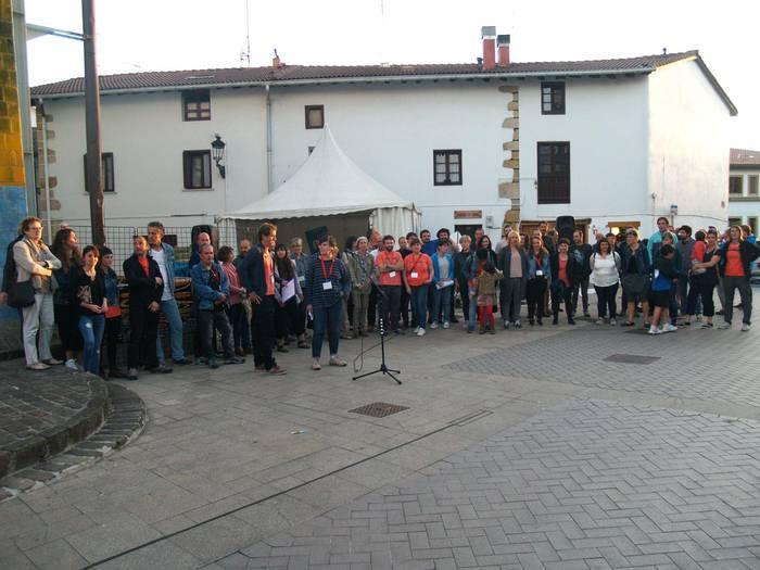 Euskal Herria estatu independentea izatearen alde agertu dira usurbildarrak